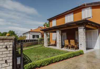 Apartmány Mile - modernly equipped: A1(3) Umag - Istria