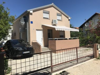Apartmány JoRa - familiy friendly with parking space: A1-Angel(4+1), A2-Veronika(4+1) Nin - Riviéra Zadar