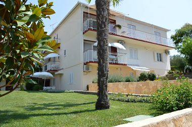 Apartmány Kata - modern & close to the beach: A1(2+1), A2(2+1), A4(2) Zadar - Riviéra Zadar